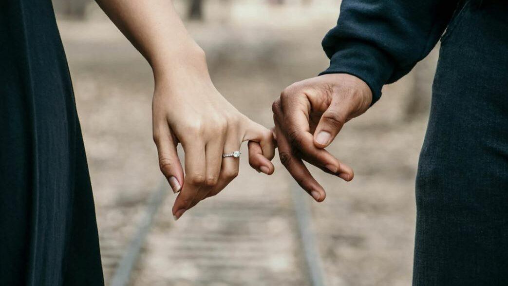hands couple